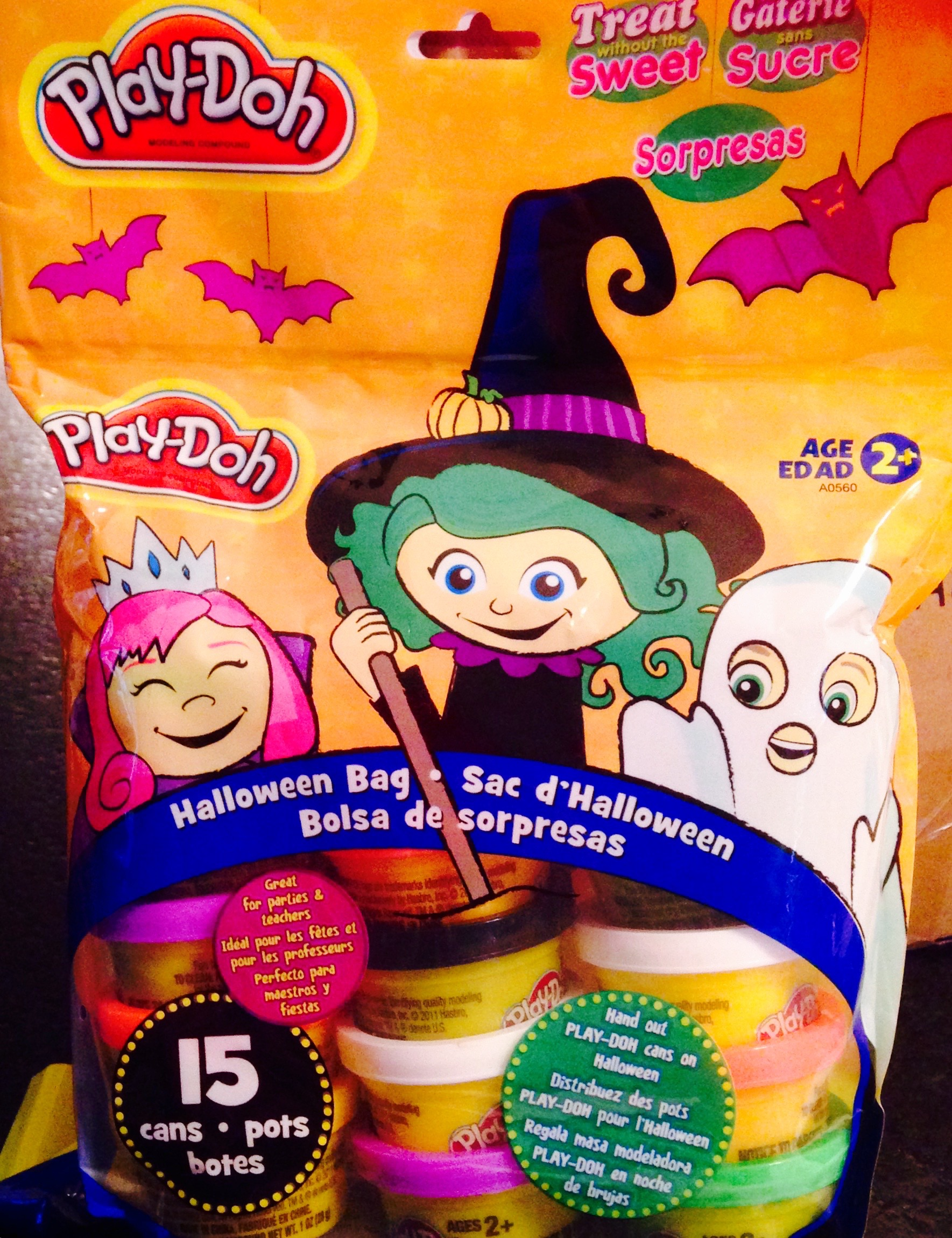 Play Doh- Halloween Bag (15 cans assortment)